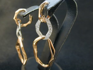 Kyle Richards earring style available at Burdeen's